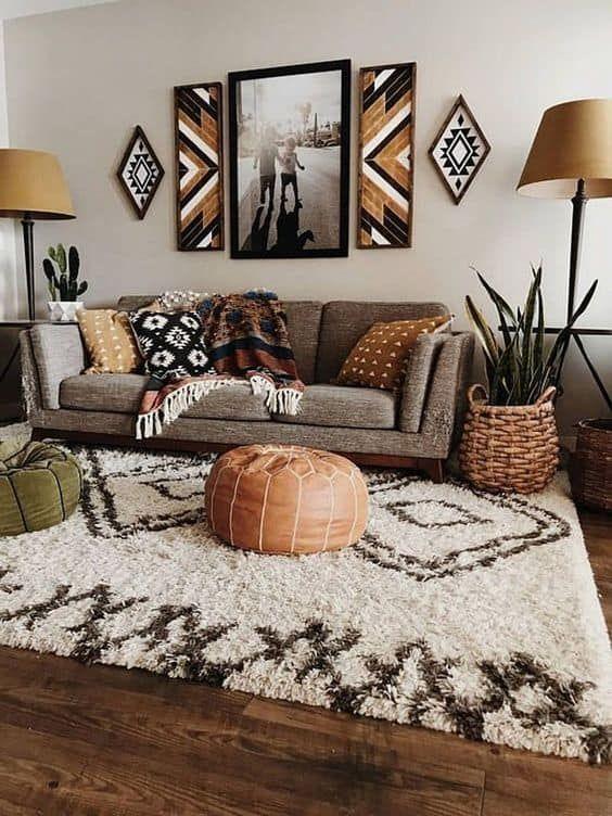 Mid-century modern was born out of a desire to combine comfort, functionality, and art. Follow these decor suggestions to upgrade your living room.