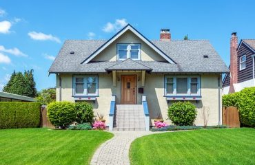 Buying a house in Lahore