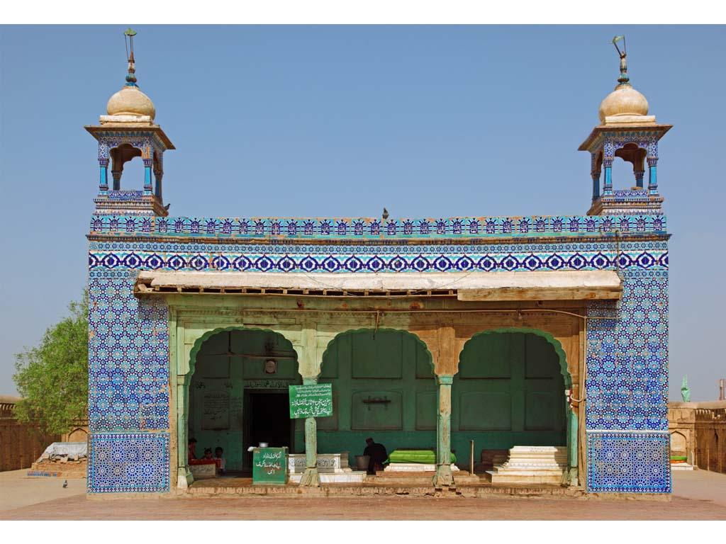 Bibi-Pak-Daman-Mausoleum