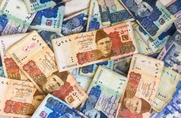 Real-Estate-Investment-on-Installments-vs-Cash-in-Pakistan