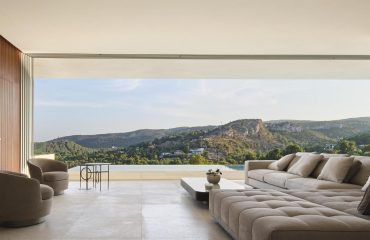 A-Luxurious-Terraced-Villa-With-Pool-In-The-Mediterranean